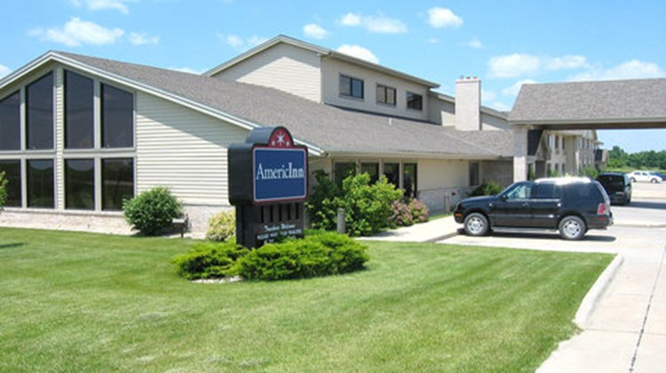 AmericInn of Webster City Exterior