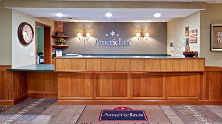 AmericInn of West Burlington Lobby