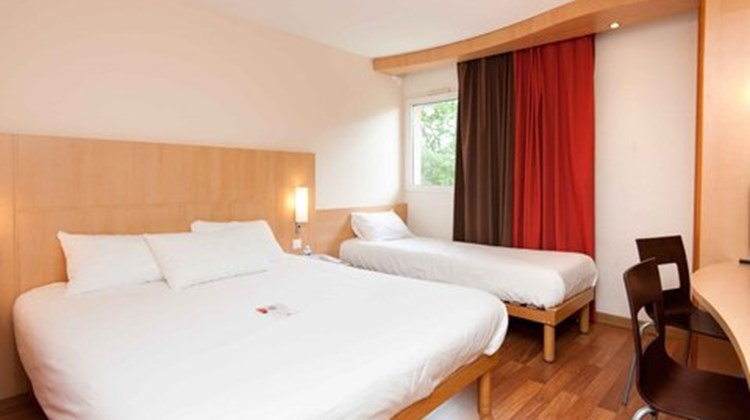 Ibis Hotel Avallon Room