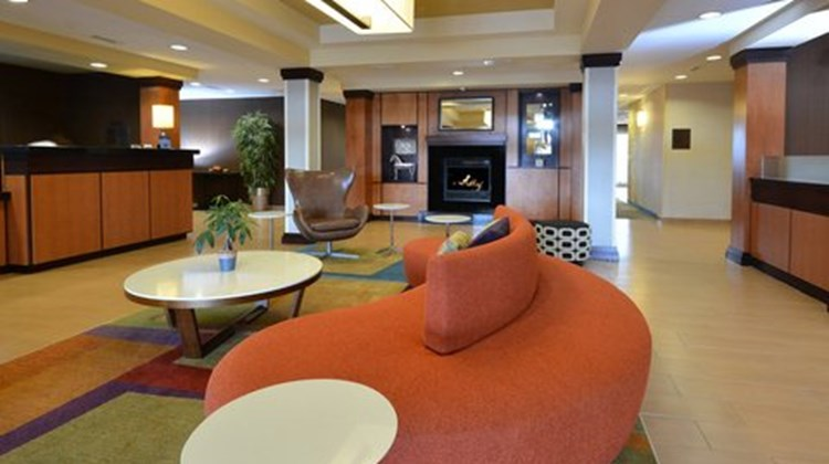 Fairfield Inn & Suites Wytheville Lobby