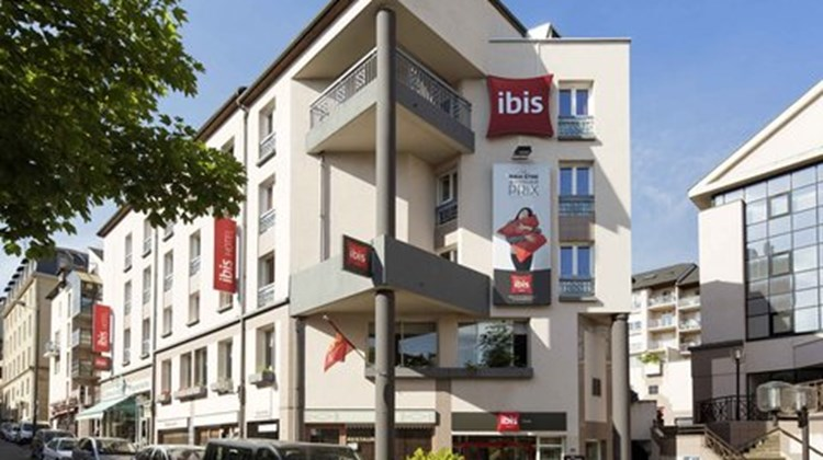 Ibis Rodez Centre Cathedrale Exterior