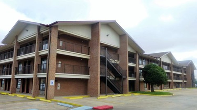 Red Roof Inn & Suites Bossier City Exterior
