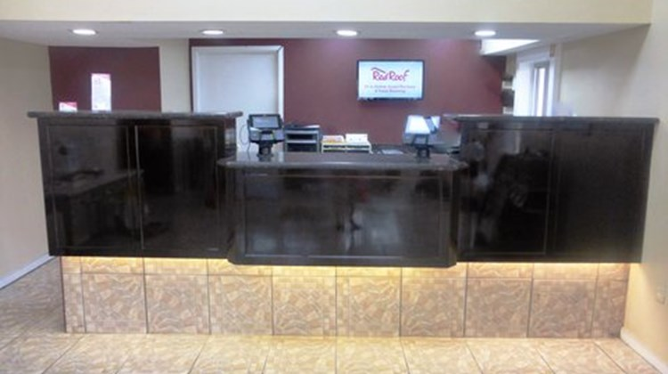 Red Roof Inn & Suites Bossier City Lobby