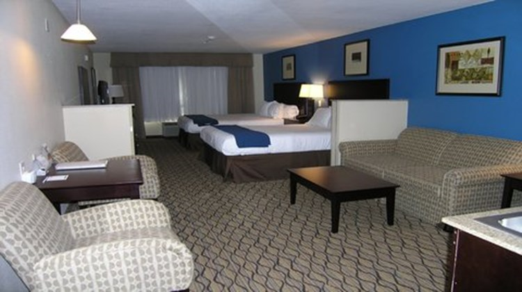Holiday Inn Express & Suites Belle Vern Room