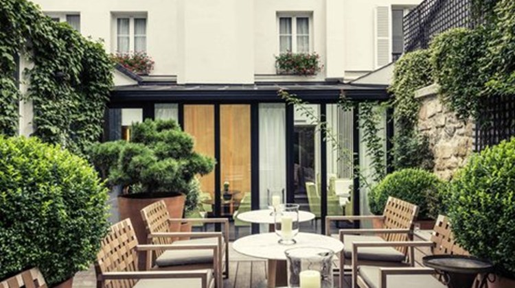 Mercure Hotel Champs Elysees Exterior