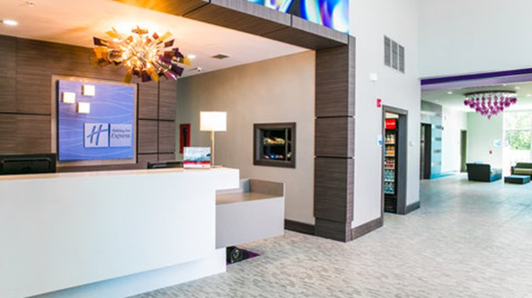 Holiday Inn Express & Stes Garland East Lobby