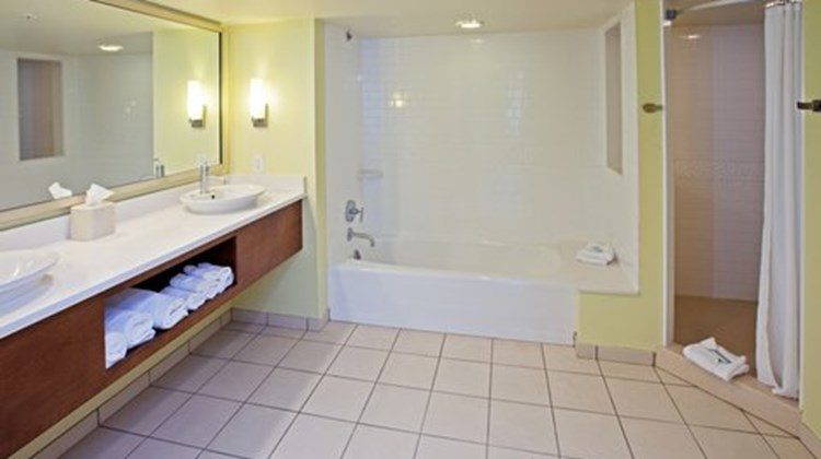 Holiday Inn Express Fishers Room
