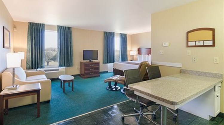MainStay Suites Airport Room