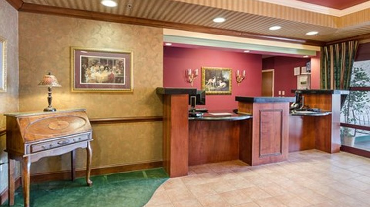 MainStay Suites Airport Lobby