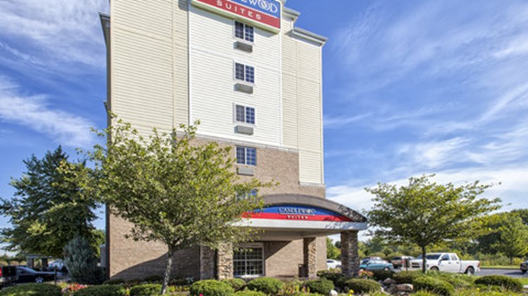 Candlewood Suites Indianapolis Airport Exterior