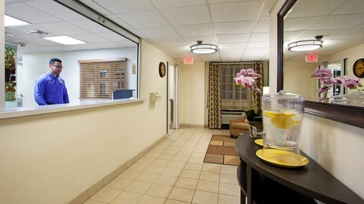 Candlewood Suites University Lobby