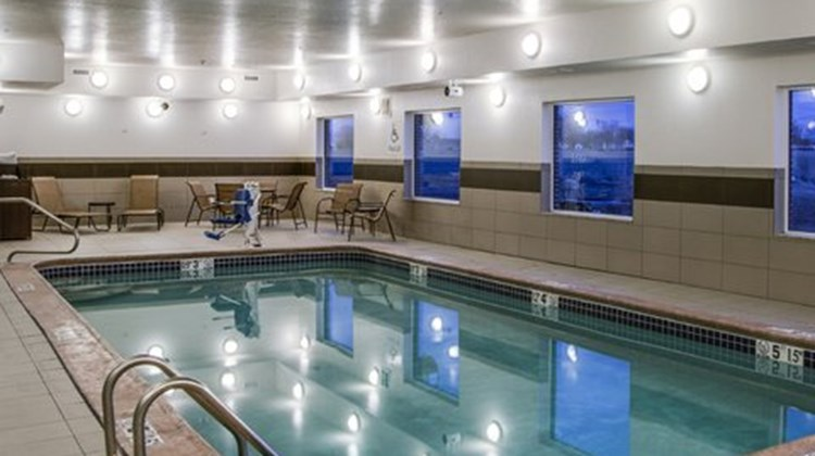 Holiday Inn Express & Suites Nevada Pool