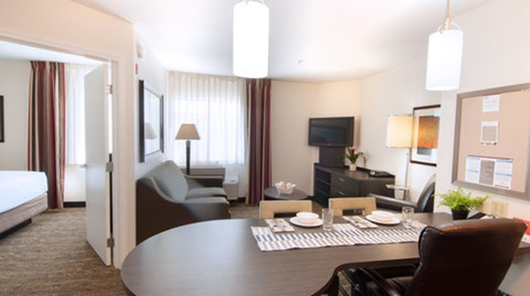 Candlewood Suites North Orange County Room