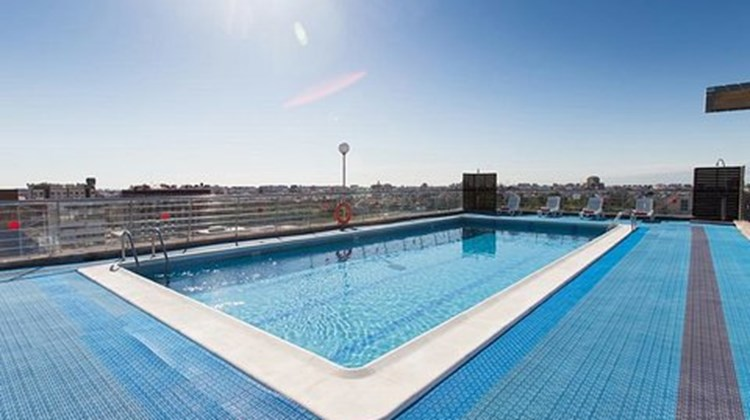 Expo Hotel Valencia Pool