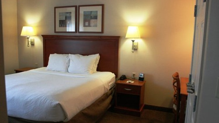 Candlewood Suites McAlester Southeast Suite