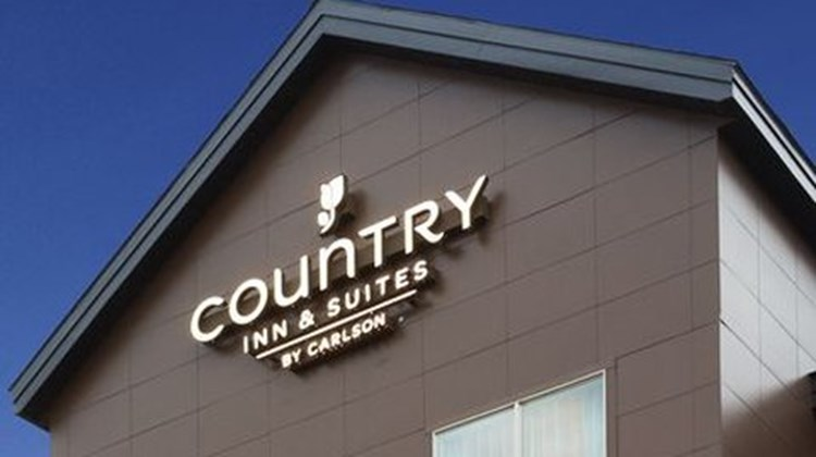 Country Inn & Suites Indy Air South Exterior