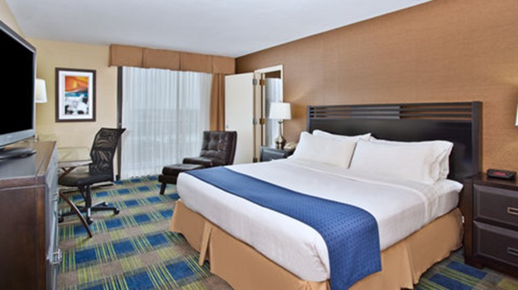 Holiday Inn Akron-West/Fairlawn Suite