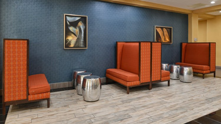 Holiday Inn Express Flagstaff Lobby
