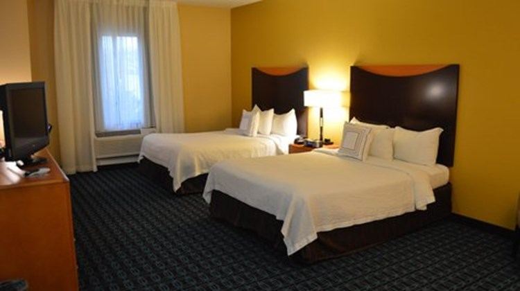 Fairfield Inn and Suites Channelview Room