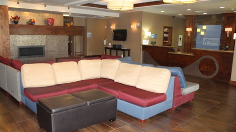 Holiday Inn Express & Suites Orem Lobby
