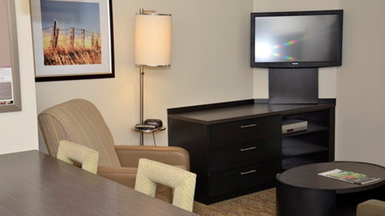 Candlewood Suites Detroit-Warren Suite