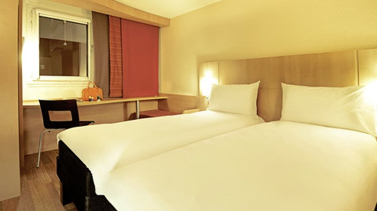 Ibis Centre Gare Room