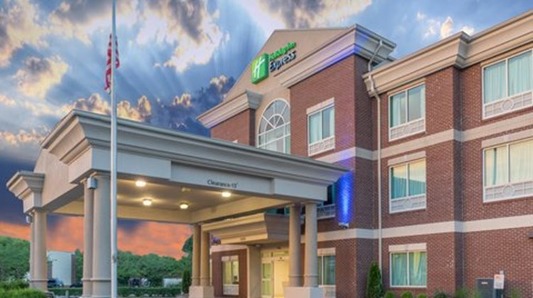 Holiday Inn Express & Suites Frankfort Exterior