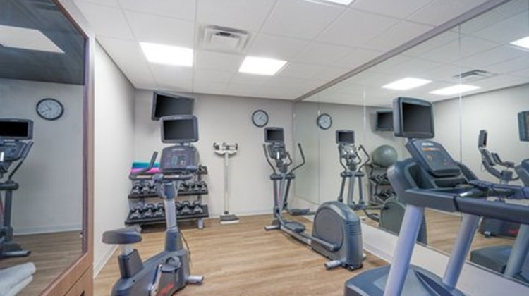 Holiday Inn Express & Suites Frankfort Health Club