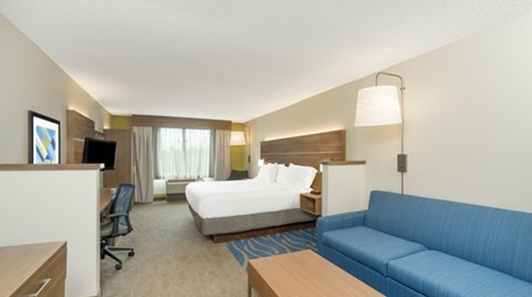 Holiday Inn Express & Suites Frankfort Room