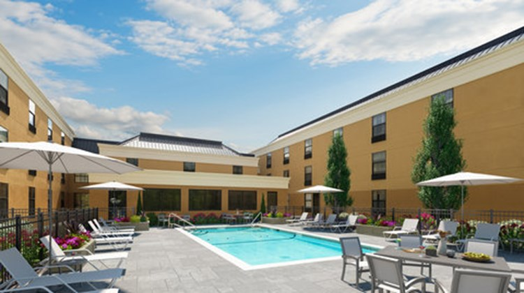 Four Points by Sheraton Newburgh Airport Pool