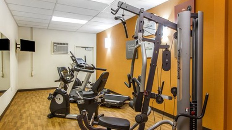 Quality Suites Freeport Health Club