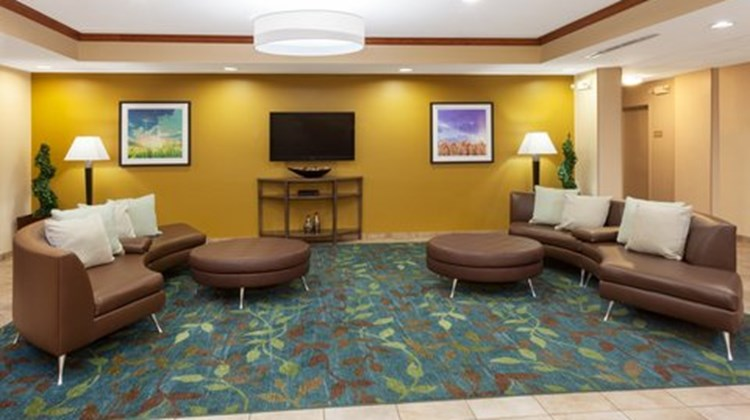 Candlewood Suites Chicago Lobby