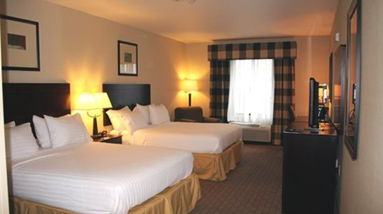 Holiday Inn Express & Sts Syracuse North Room