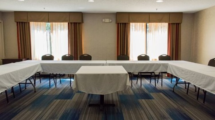 Holiday Inn Express & Suites Kinston Meeting