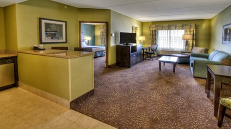 Holiday Inn Express & Stes Pittsburgh SW Suite