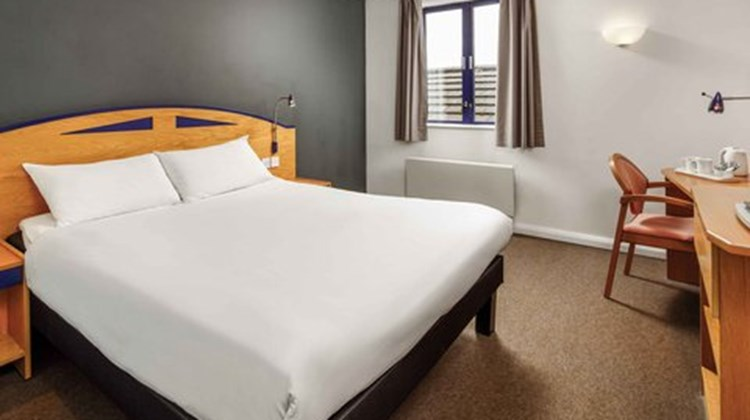 Ibis Chesterfield North Room