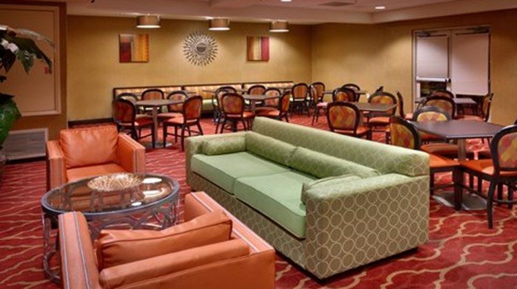 Holiday Inn Express & Sts Mesquite Restaurant