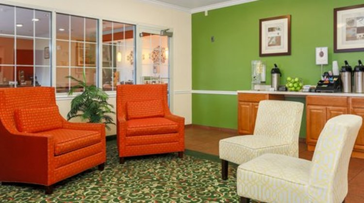 Fairfield Inn Warren Niles Lobby