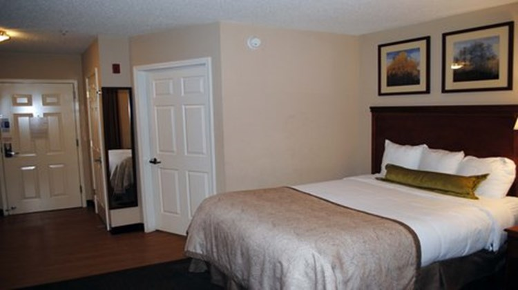 Candlewood Suites Colonial Heights Room
