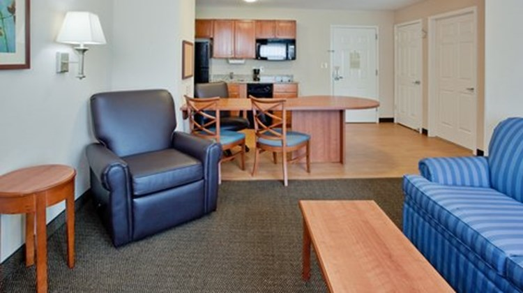 Candlewood Suites Colonial Heights Suite