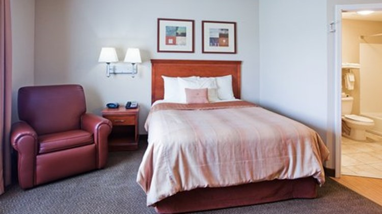 Candlewood Suites Robins AFB Room