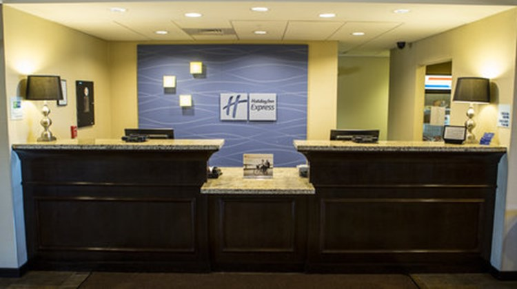 Holiday Inn Express Malone Lobby