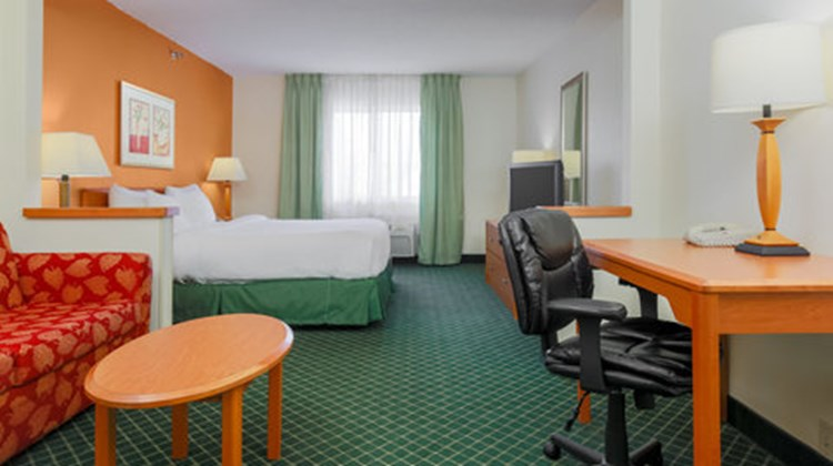 Fairfield Inn Appleton by Marriott Room
