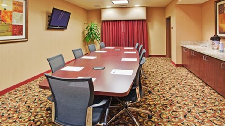 Holiday Inn Express & Suites Atascadero Meeting