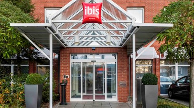 Ibis Hannover Medical Park Exterior