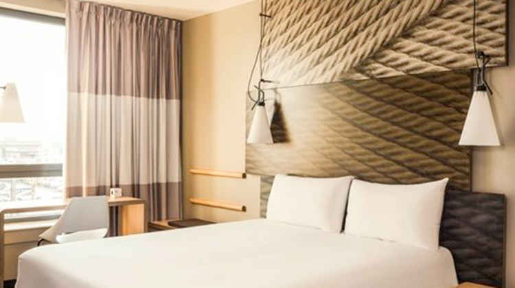 Ibis Hotel Paris Orly Room