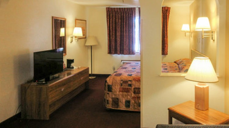 Econo Lodge Inn & Suites Albuquerque Room