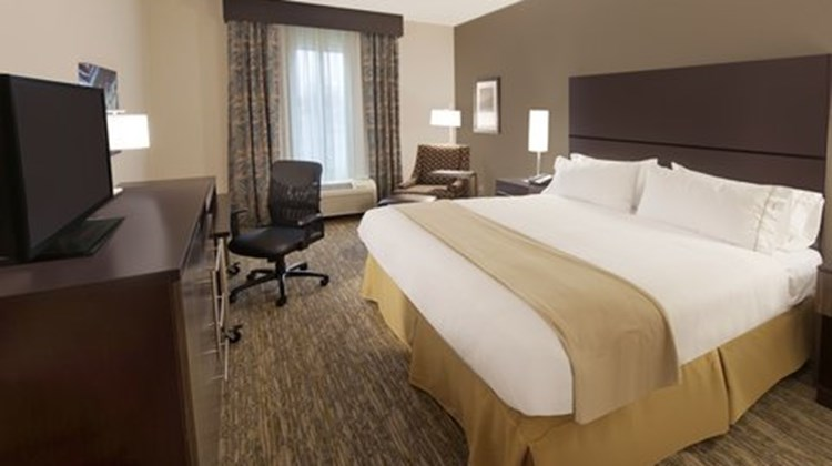 Holiday Inn Express Southpoint Room