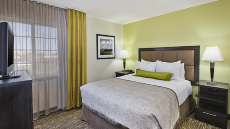 Candlewood Suites Indianapolis Airport Room