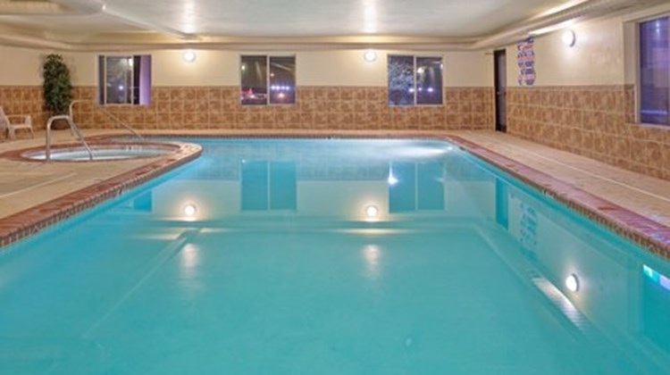 Holiday Inn Express & Suites Cedar City Pool